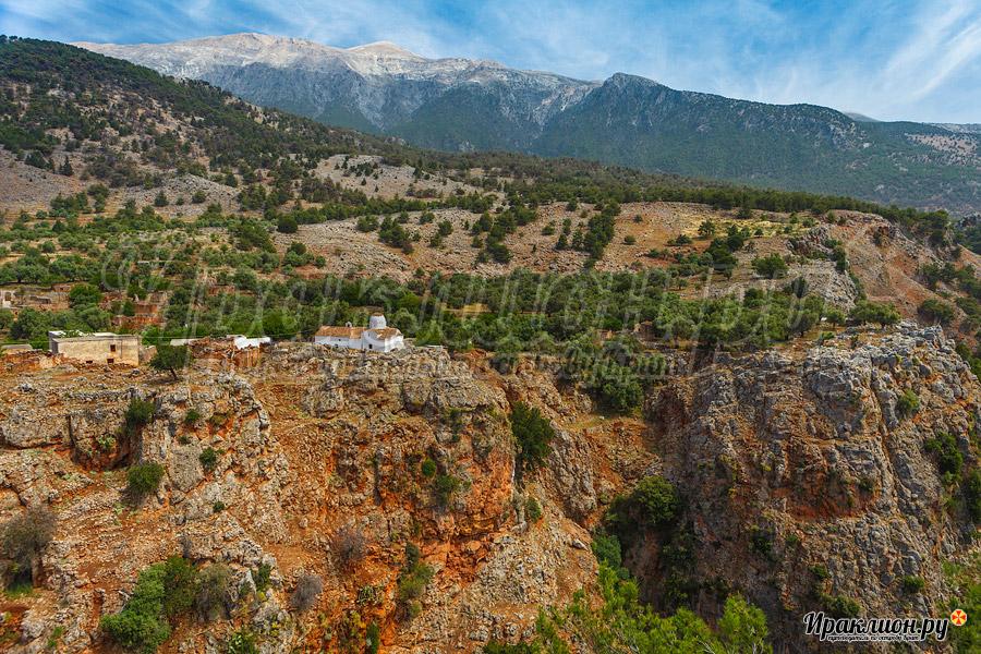 Церковь Архангела Михаила в ущелье Арадена