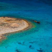 Затопленная баржа у побережья острова Грамвуса