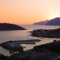 Порт, деревня и остров Мохлос