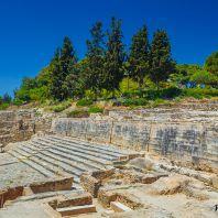 Внутренний двор и лестница дворца Фестос, Крит, Греция