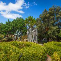 На территории монастыря Топлу, Крит, Греция