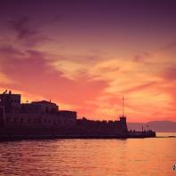 Закат в гавани Ханьи