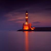 Маяк в гавани Ханьи: один из старейших маяков в мире и визитная карточка города
