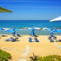 Пляж Аделианос Кампос (Adelianos Kampos beach)