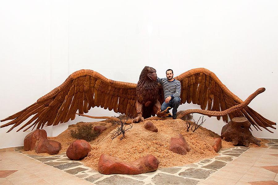 Музей деревянной скульптуры в Аксос: Орёл и Змея, Георгиос Кутантос