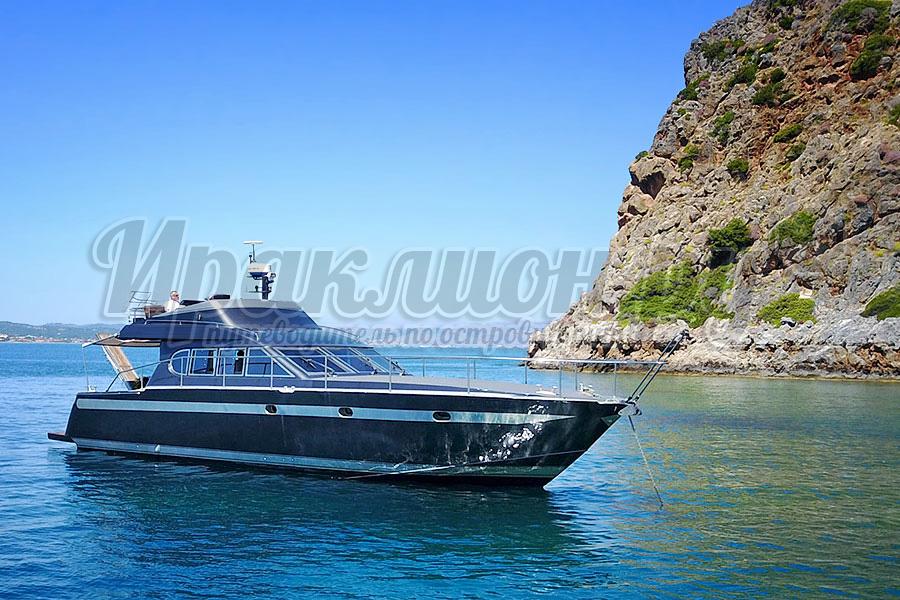 Аренда моторной лодки с капитаном на Крите, Греция
