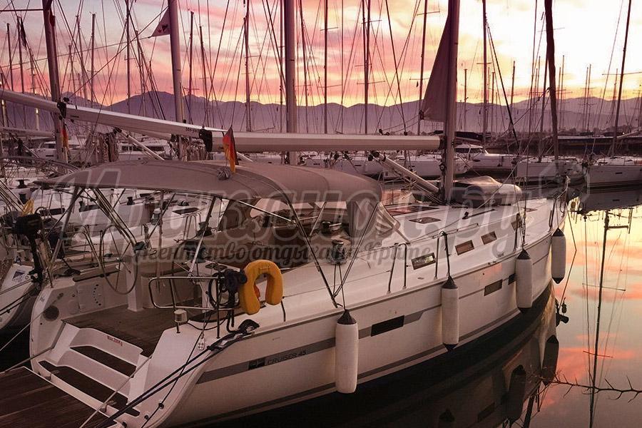Яхта в Элунде Bavaria 45, Крит