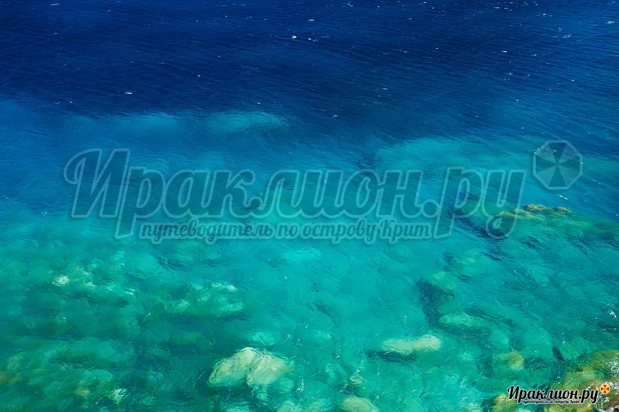 Бирюзовая вода на пляже Итанос, Крит, Греция
