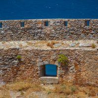 Необитаемый остров Спиналонга (Spinalonga, Σπιναλόγκα) или Калидон (Kalidon, Καλυδών)
