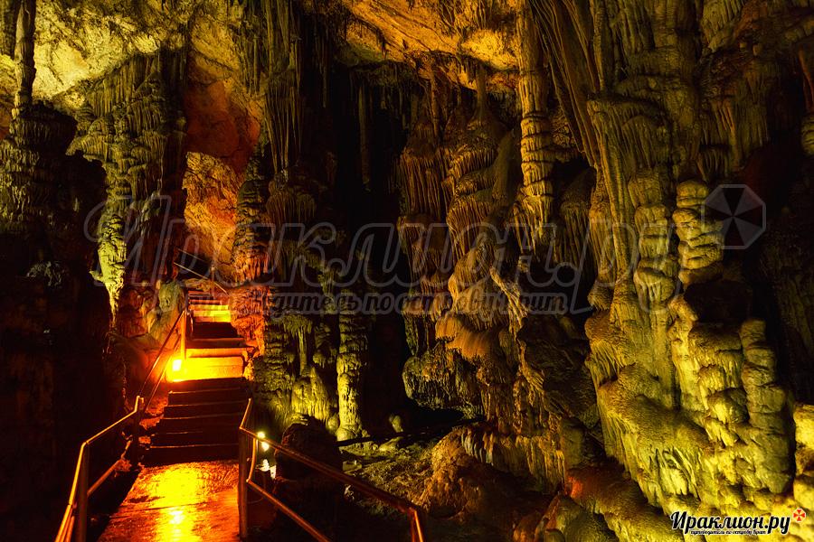 Пещера Зевса, плато Лассити, Крит