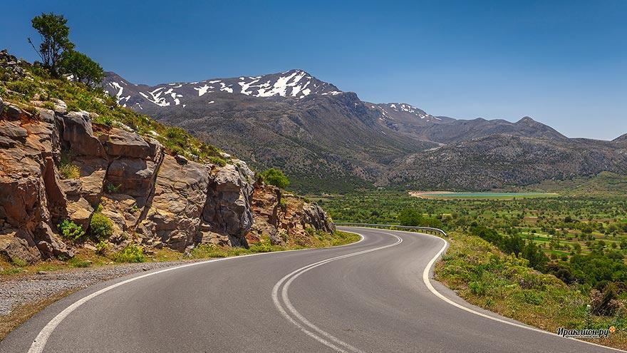 По дороге на плато Ласити, Крит, Греция