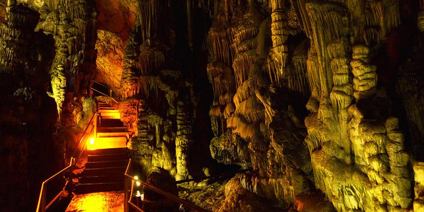 Дети подземелий: пещера Зевса в долине Лассити